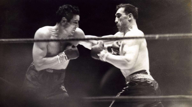 Dějiny boxu: V roce 1934 porazil Max Baer italského obra Primo Carnera a stal se šampionem v těžké váze