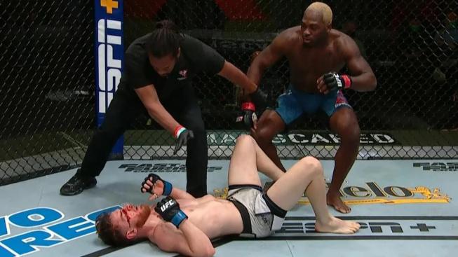 Po vlně kritiky dostal rozhodčí Herb Dean za svoji práci slova uznání od bojovníků UFC