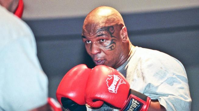 """Mike Tyson se prý vyrovná o třicet let mladším klukům. """"Jeho síla je úplně na jiné úrovni,"""" tvrdí jeho trenér"""