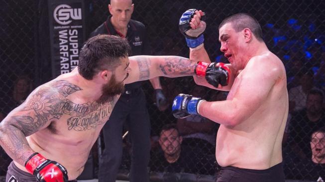 """Ben """"Combat Vombat"""" Sosoli zlomil opilému potížistovi čelist a teď mu za to hrozí vězení a vyhazov z UFC"""