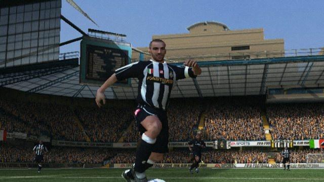První dojmy z FIFA Football 2004 a video