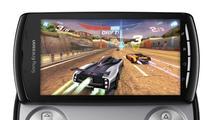 Xperia Play  vsází na plnohodnotný ovladač a portované tituly