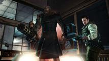 Čtyřnohé zombie na stropě z Resident Evil: Raccoon City
