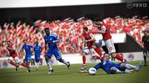 FIFA 13 v kostce - další skok, nebo jen mírný pokrok?