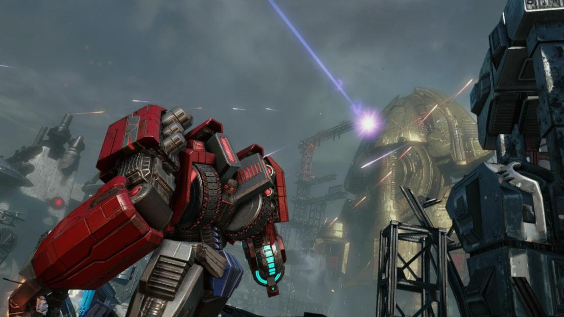 Transformers: Fall of Cybertron brnká na city hudbou