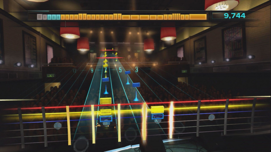 Kolega ze Score předvádí, o čem je hudební hra Rocksmith
