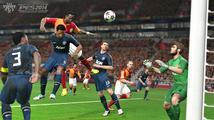 Kompletní multiplayerovou nabídku PES 2014 odemkne až 2. patch