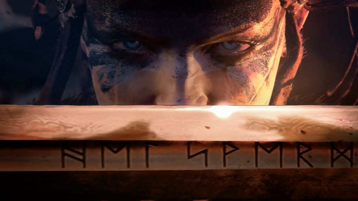 Senua z Hellblade musí proti silnějším vikingům použít rychlost a obratnost