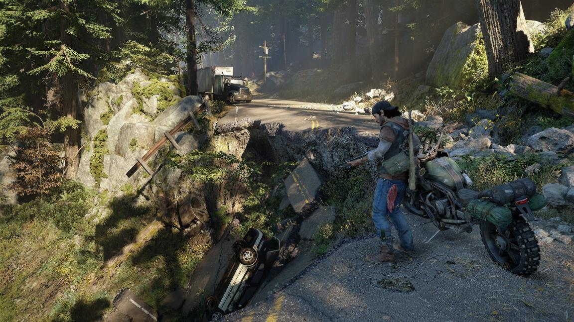 Days Gone připomíná akčnější The Last of Us v otevřeném světě s motorkářem