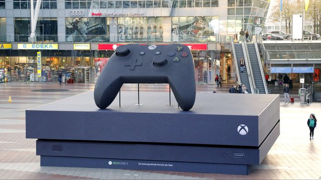Xbox_One_X_Germany_Largest_Console