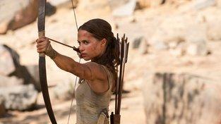 V druhém traileru na film Tomb Raider uniká Lara před smrtí každou chvíli