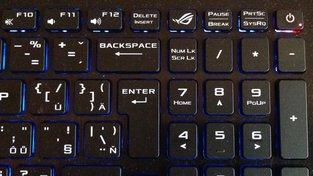 Asus ROG Strix GL553VD klávesnice