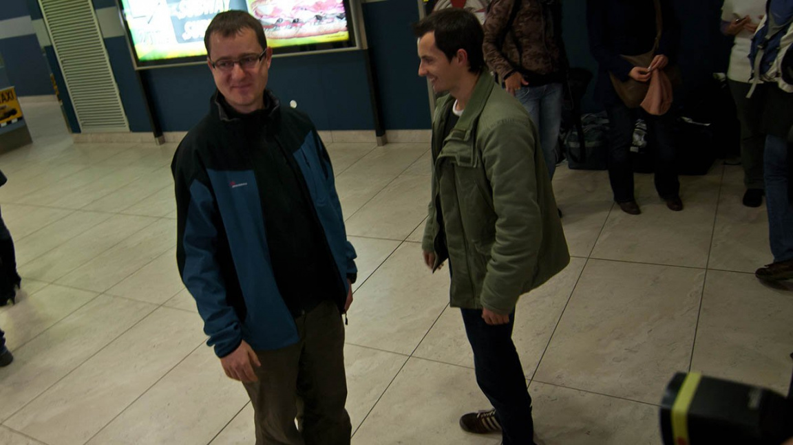 Řecký soud s vývojáři Bohemia Interactive obviněnými ze špionáže skončil podmínkou