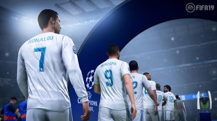 FIFA 19 má Ligu mistrů a nové komentátory, FIFA 18 zase zkušební verzi zdarma
