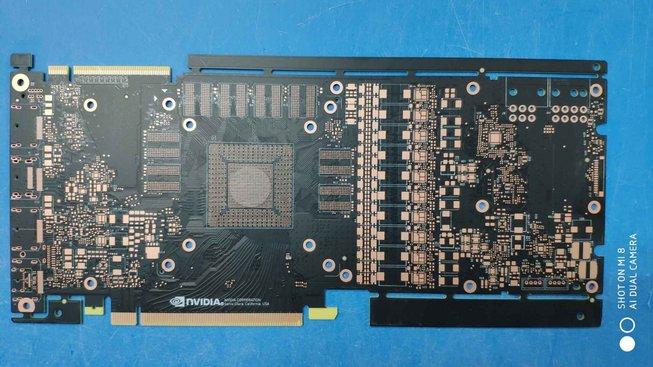 Plošný spoj údajného GPU Nvidia další generace