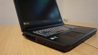 Acer Predator Helios 700 zasunutá klávesnice