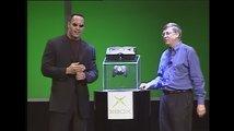 """Dwayne """"The Rock"""" Johnson s Billem Gatesem před 19 lety představili první Xbox"""