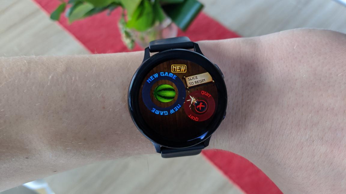 Jak se hraje na chytrých hodinkách