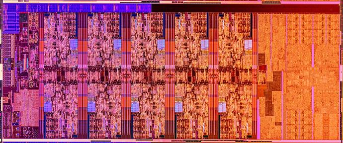Detailní snímek čipu 10jádrového procesoru Comet Lake-S