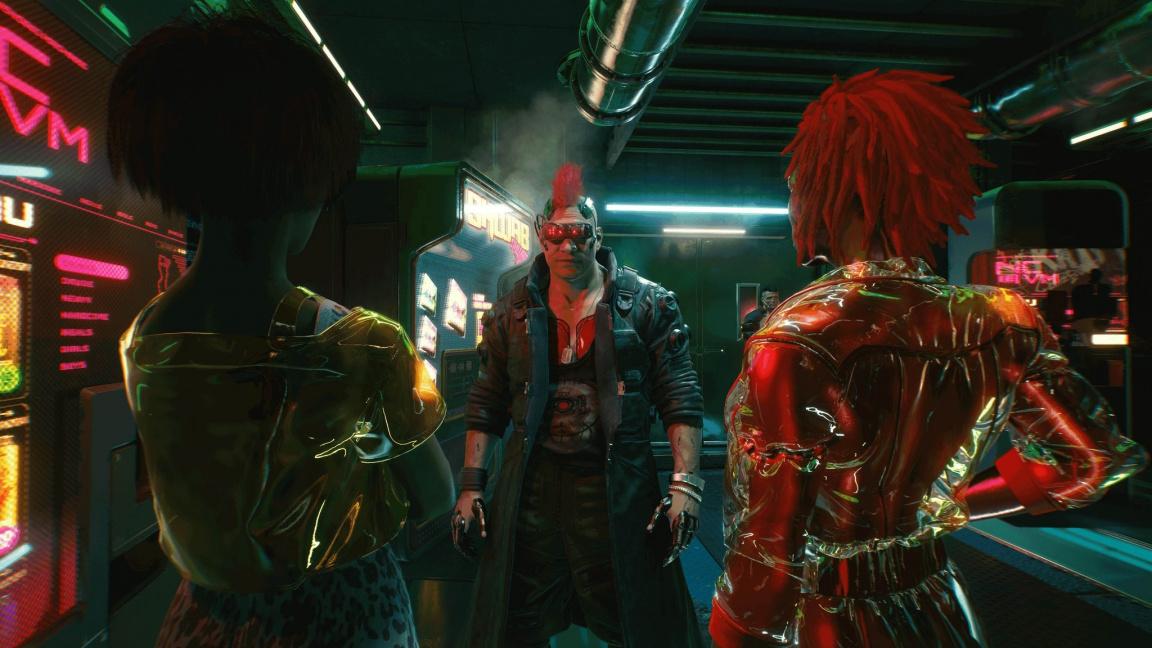 Záběry z hraní Cyberpunku 2077 ukazují automobilové honičky, vyšetřování a popíjení v baru