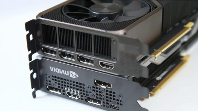 Srovnání konektorové výbavy Founders edicí RTX 2080 a RTX 3080