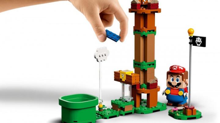 Super Mario Bros. jde očividně ovládat pomocí LEGO figurky Maria
