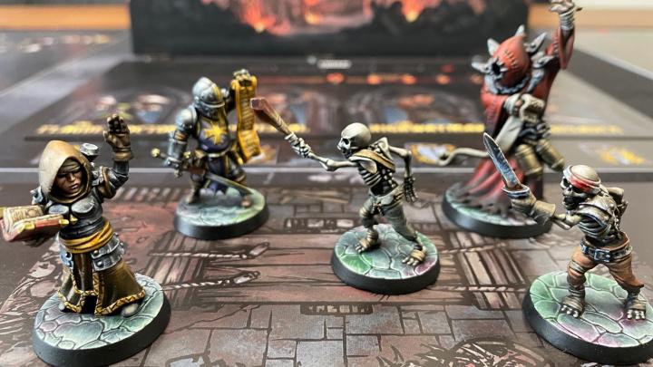 Ukořistěte na Kickstarteru skvěle vypadající deskovku Darkest Dungeon