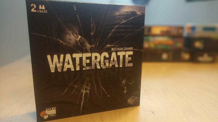 Deskovka Watergate – recenze skvělého duelu na pozadí politického skandálu