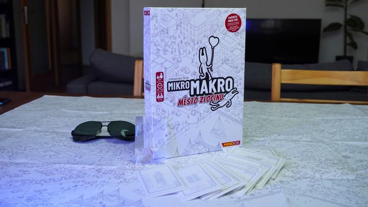 Deskovka MikroMakro: Město zločinu – videorecenze unikátní mapové detektivky