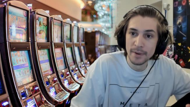 Streamer xQc se veřejně zastal živých vysílání ukazujících hazard