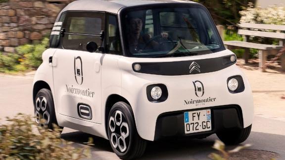 Kurýrní služba DoDo touží po plné elektrifikaci své flotily. Otestovala miniaturní Citroën Ami
