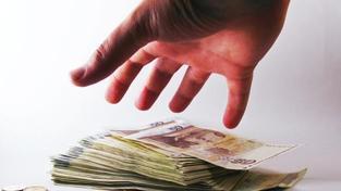 Úplatek pomůže získat veřejnou zakázku myslí si podnikatelé, Foto: SXC