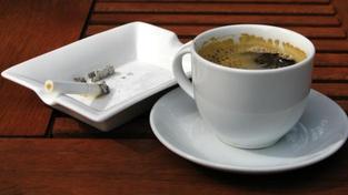 42 procent restaurací uvedlo, že má prostory pro kuřáky i nekuřáky, Foto:SXC