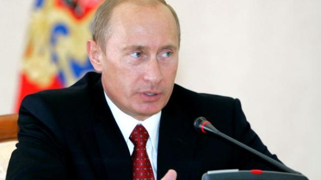 """""""Zveme výrobce, aby umístili své továrny do Ruska, a své vozy produkovali zde,"""" uvedl premiér Putin. Foto: Kremlin.ru"""