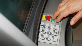 Všechny banky se přesto snaží systém výběru z bankomatu maximálně zabezpečit, Foto:SXC
