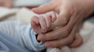 Vláda navrhuje, aby pro nárok na porodné byly stejné podmínky jako pro obdržení dětských přídavků, Foto:SXC
