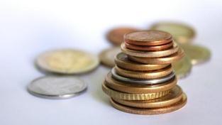 Státní rozpočet pro letošní rok počítá s příjmy 1 043,2 mld. Kč, výdaji 1 206,1 mld. Kč a schodkem 162,9 mld. Kč, Foto:SXC