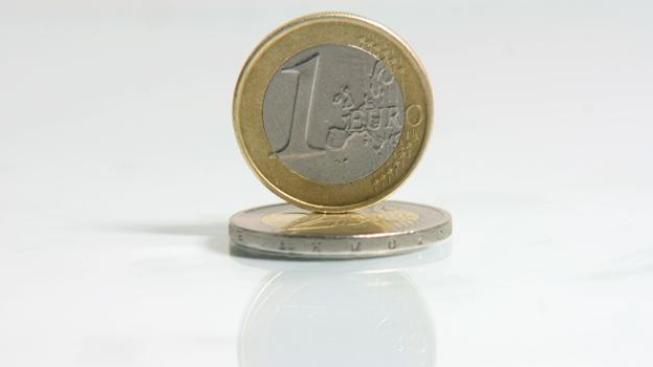 Dolar vůči euru za poslední měsíc ztratil zhruba 11 procent, Foto: SXC