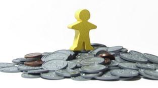 Naopak u soudců mají platy klesnout pouze pro příští rok a pak se vrátit na platovou základnu z roku 2009, Foto:SXC