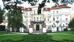 Cena nabízeného pozemku v Berlíně prý odpovídá ceně Lobkovického paláce, Foto:Jurgen Regel