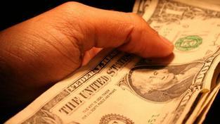 Podle údajů ministerstva vnitra byl nejvyšší počet zjištěných trestných činů úplatkářství zaznamenán v roce 2004, Foto:SXC