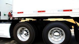 Toto zpoplatnění by však mělo spíše sankční charakter vůči dopravcům, kteří objíždějí dálnice po silnicích I. třídy, Foto:SXC