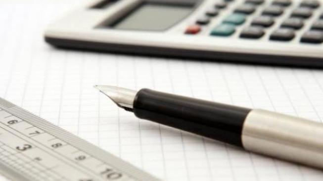 V zásadě stačí využít několik málo vzorců finanční matematiky,