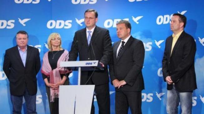 Není to automatická ztráta členů ODS. Ti mají tři měsíce na přeregistraci, nepřestávají ale být členy strany, Foto: ODS