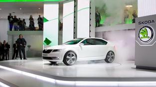 Z loga automobilka vypustila nápis Škoda Auto. Největší změna pak proběhla na hlavní části loga – okřídleném šípu, Foto: Škoda auto