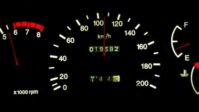 Většina zákazníků přijde na to, že koupili vozidlo s jiným stavem tachometru, Foto: SXC