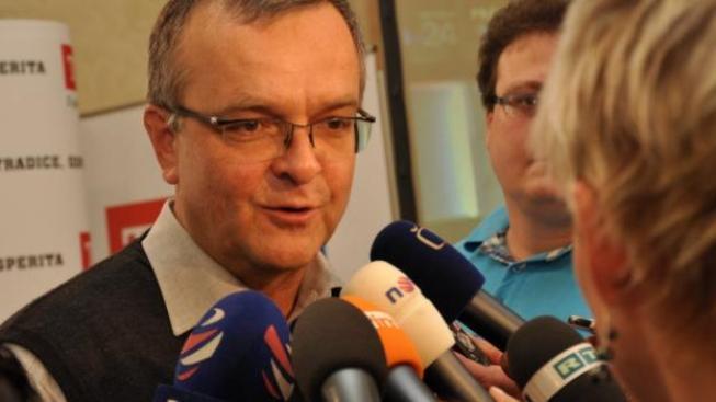 Fyzickým osobám se daně sníží, právnickým osobám zůstanou v současné úrovni, řekl Kalousek, Foto: TOP09