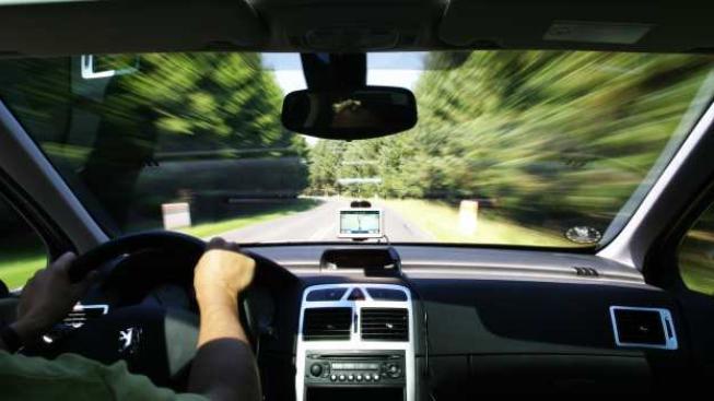 Tresty za klasické telefonování za jízdy chce ale ministr stále zpřísnit, Foto:
