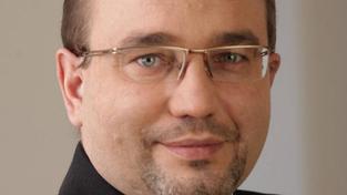 Aktuální Dobešův plán je skromnější, než ohlašoval. Podle materiálu má na konci roku 2011 pracovat na ministerstvu 360 lidí, Foto:TOP09