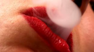 Odhalení kuřáků pomocí testů je snadné. Při kouření totiž vznikají metabolity s dlouhým poločasem rozpadu, kuřáka lze proto odhalit i několik týdnů poté, kdy si zapálil poslední cigaretu, Foto:SXC